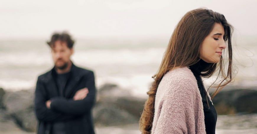 Вам одиноко в отношениях? Или просто так кажется?
